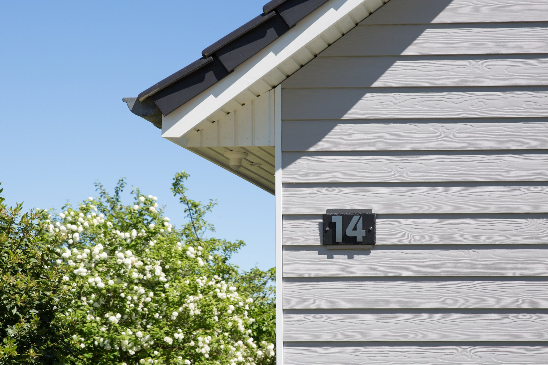 fachada residencial tinglado siding cedral